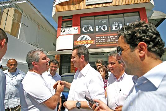 Prefeito Kassab participou de blitz para flagrar irregularidades em letreiros e fachadas de comerciantes