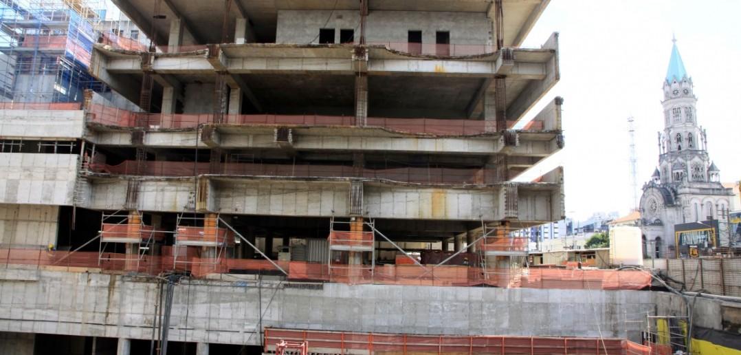 Estação Santa Cruz em construção