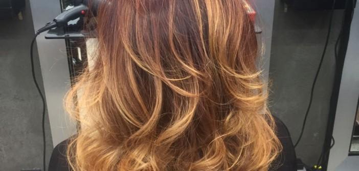 Dupla de cabeleireiras esbanja talento