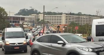 Cidade Vargas tem trânsito caótico
