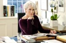 """A personagem Miranda, interpretada por Meryll Streep no filme """"O Diabo Veste Prada"""", ficou famosa pela atitude. Diretora de revista de moda e de visual impecável, Miranda assumia os cabelos brancos"""
