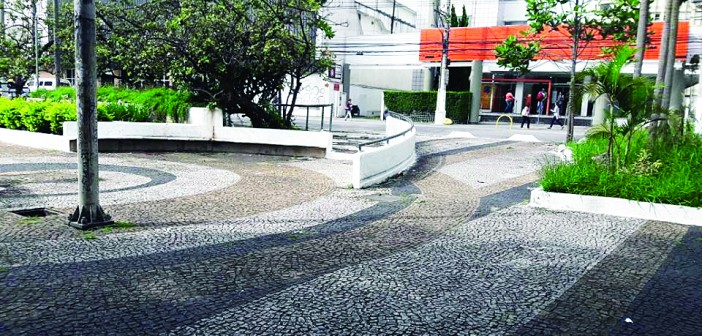 Regional limpa Largo Ana Rosa. De novo.