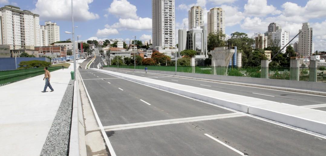 Recém inaugurado, viaduto é antiga reivindicação. Mas ligação com Pedro Bueno já está gerando queixas. Foto: Heloisa Balarini/Secom