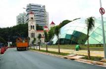 SÃO PAULO,SP,04.04.2018:OBRA-ESTAÇÃO-MOEMA-METRÔ - Operários trabalham na estação Moema, Linha 5-Lilás do Metrô, em São Paulo (SP), nesta quarta-feira (4). A estação será inaugurada nesta quinta-feira (5) e passará a funcionar em operação assistida. (Foto: Renato S. Cerqueira/Futura Press/Folhapress)