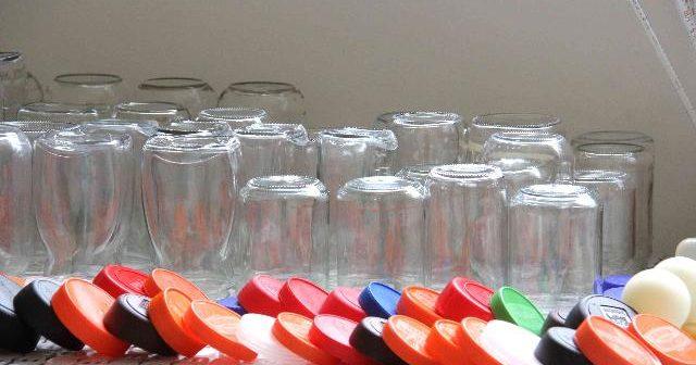 Potes de vidro podem ser doados para armazenar leite materno